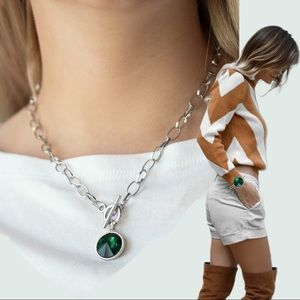 She Sparkles On Green Toggle Necklace Set